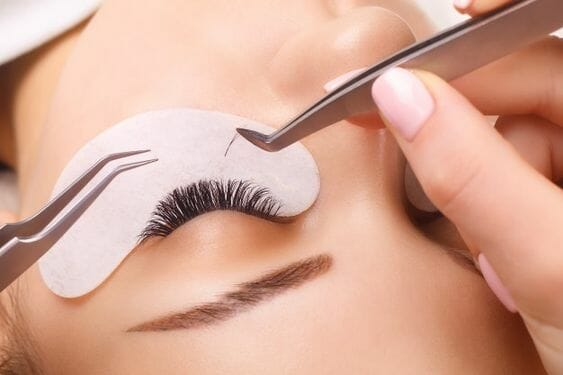 www.medycos.com wimperextensions one by one en everlash wimperstukjes Hellevoetsluis